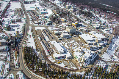 The 2,250-acre Fairbanks campus, located near the center of Alaska, offers a wide variety of opportunities for activity and recreation. The main campus has two lakes and miles of trails as well as a major student recreation complex for indoor sports.  Filename: CAM-13-3781-236.jpg