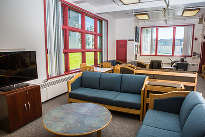 Stevens Hall is situated in the center of lower campus close to the Wood Center and has lounges on the main and lower levels.  Filename: CAM-16-4941-102.jpg