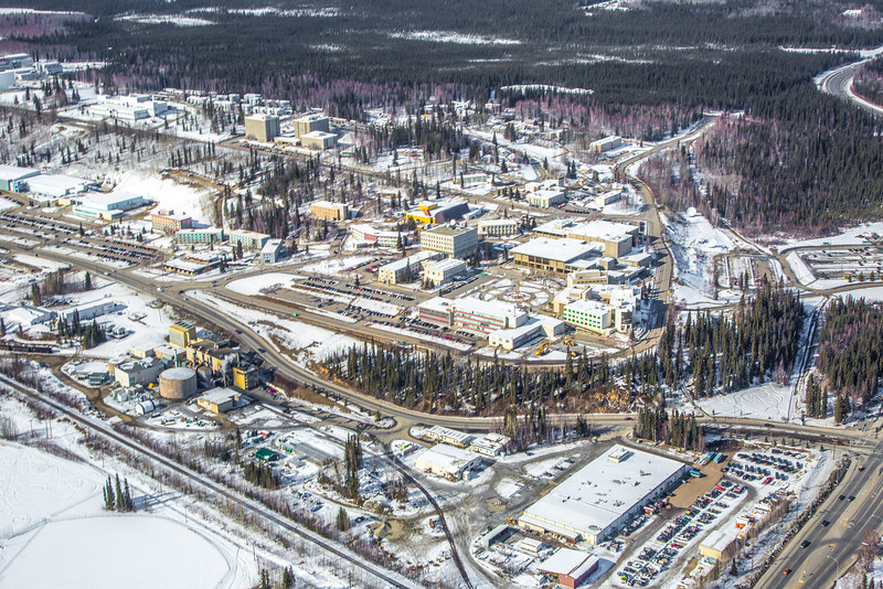 "The 2,250-acre Fairbanks campus, located near the center of Alaska, offers a wide variety of opportunities for activity and recreation. The main campus has two lakes and miles of trails as well as a major student recreation complex for indoor sports.  <div class=""ss-paypal-button"">Filename: CAM-13-3781-207.jpg</div><div class=""ss-paypal-button-end"" style=""""></div>"