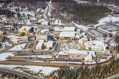 The 2,250-acre Fairbanks campus, located near the center of Alaska, offers a wide variety of opportunities for activity and recreation. The main campus has two lakes and miles of trails as well as a major student recreation complex for indoor sports.  Filename: CAM-13-3781-39.jpg