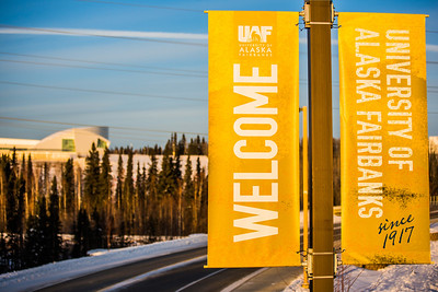 Banners posted along Thompson Drive welcome people to campus.  Filename: CAM-12-3633-38.jpg