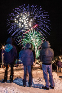 Hundreds of Fairbanks community members enjoyed the New Years' Eve fireworks display from UAF's West Ridge.  Filename: CAM-12-3687-60.jpg