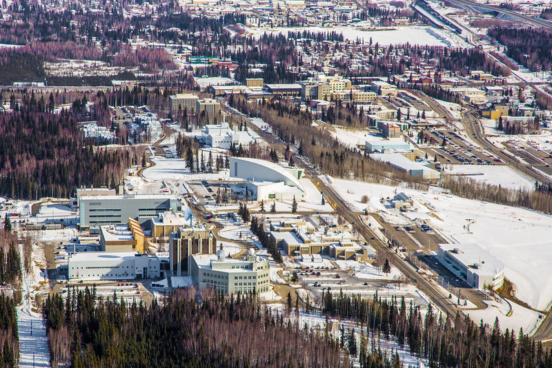 "The 2,250-acre Fairbanks campus, located near the center of Alaska, offers a wide variety of opportunities for activity and recreation. The main campus has two lakes and miles of trails as well as a major student recreation complex for indoor sports.  <div class=""ss-paypal-button"">Filename: CAM-13-3781-170.jpg</div><div class=""ss-paypal-button-end"" style=""""></div>"