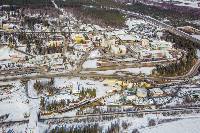 "The 2,250-acre Fairbanks campus, located near the center of Alaska, offers a wide variety of opportunities for activity and recreation. The main campus has two lakes and miles of trails as well as a major student recreation complex for indoor sports.  <div class=""ss-paypal-button"">Filename: CAM-13-3781-45.jpg</div><div class=""ss-paypal-button-end"" style=""""></div>"