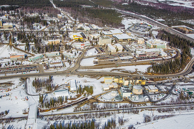 The 2,250-acre Fairbanks campus, located near the center of Alaska, offers a wide variety of opportunities for activity and recreation. The main campus has two lakes and miles of trails as well as a major student recreation complex for indoor sports.  Filename: CAM-13-3781-45.jpg