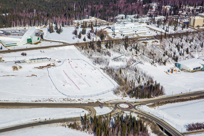 "The 2,250-acre Fairbanks campus, located near the center of Alaska, offers a wide variety of opportunities for activity and recreation. The main campus has two lakes and miles of trails as well as a major student recreation complex for indoor sports.  <div class=""ss-paypal-button"">Filename: CAM-13-3781-21.jpg</div><div class=""ss-paypal-button-end"" style=""""></div>"