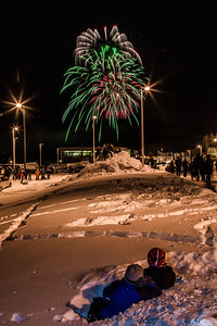 Hundreds of Fairbanks community members enjoyed the New Years' Eve fireworks display from UAF's West Ridge.  Filename: CAM-12-3687-52.jpg