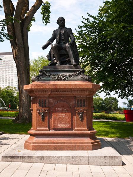 Statue of Francois Xavier Garneau