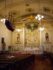 Inside Notre-Dame des Victoires