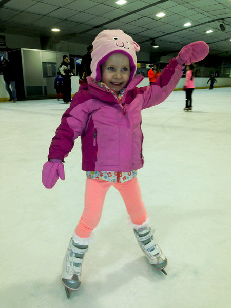 Amelia - skating