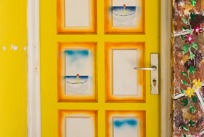 Door in Les Saintes.