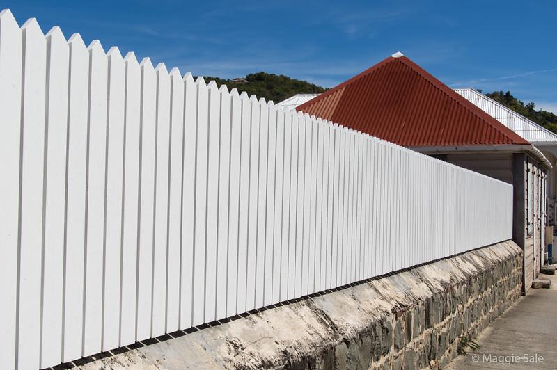 Modern fencing in Gustavia.