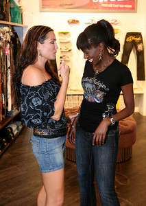 12 Dec 2007 Surfers Paradise, Qld, Australia - Deni Hines and Tania Zaetta at the opening of an Ed Hardy store on the Gold Coast - PHOTO: CAMERON LAIRD (Ph: 0418 238811)