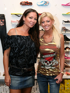12 Dec 2007 Surfers Paradise, Qld, Australia - Tara Reid and Tania Zaetta at the opening of an Ed Hardy store on the Gold Coast - PHOTO: CAMERON LAIRD (Ph: 0418 238811)