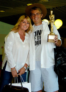 "BRISBANE, AUSTRALIA / 11-FEB-2004 Mike Read with wife Eileen Johnston leave Australia after ""I'm a Celebrity, Get me out of Here"" PHOTO: CAMERON LAIRD (Ph: +61 (0)418238811)"