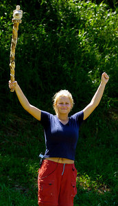 "GOLD COAST, AUSTRALIA / 10-FEB-2004 Kerry McFadden celebrates her win in ""I'm a Celebrity, Get me out of Here"" PHOTO: CAMERON LAIRD (Ph: +61 (0)418238811)"