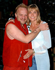 "Murwillumbah, New South Wales, AUSTRALIA / 11-MAY-2003 ""I'm a Celebrity, Get me out of here"" fifth evictee Antony Worrall-Thompson with wife Jay PHOTO: © CAMERON LAIRD (Ph: +61 418 238811)"