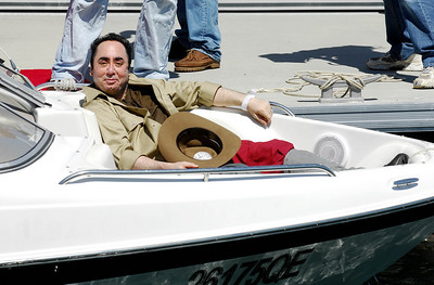 I'm A Celebrity contestant David Gest prepares to board a helicopter for his entry into the jungle - PHOTO: CAMERON LAIRD (Ph: 0418238811)
