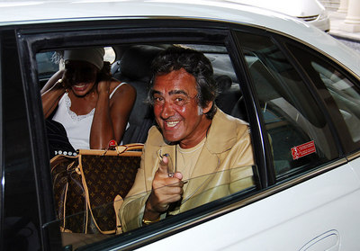 """""""I'm A Celebrity... Get Me Out Of Here"""" star David Dickinson and wife Lorne leave Australia after the end of the 5th series - PHOTO: CAMERON LAIRD (Ph: +61 418238811)"""