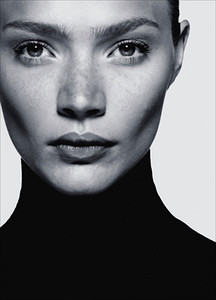 Jodie Kidd.  One of Britain's great models.  Unfairly was accused of promoting girls to be anorexic when they tried to copy her look. Jodie was just really tall (198cm) and lanky.  Has moved on to TV presenting, motor racing, and polo including a stint as a competitor on Strictly Come Dancing!