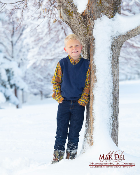 child picture in snow