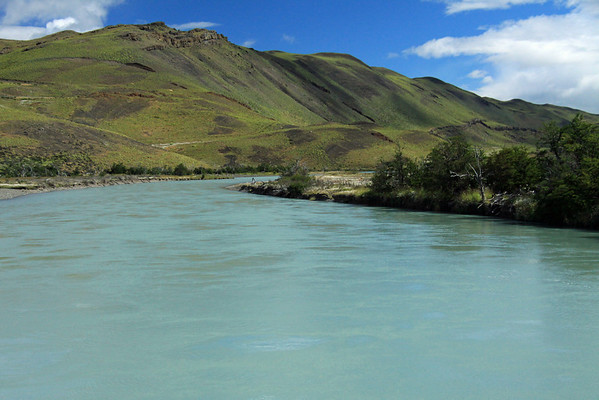 Along the glacial milk/flour water of Rio Paine.