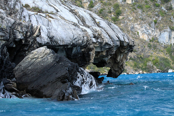 Marble rock overhang and fallen boulder, along the western shore of Lago Carrera.