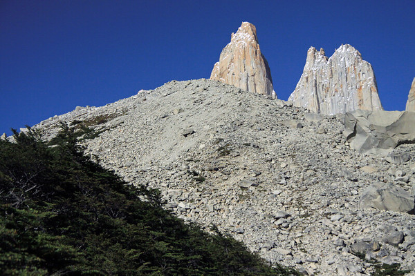 From the southern beech tree tops - up the glacial till of the moraine - to Torre Sur (l) and Torre Central (r).