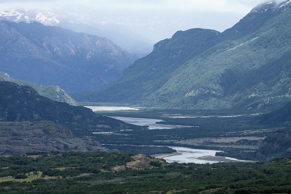 Westward up the Río Ibáñez Valley - adjacent the mouth of the Río Nieve Desparramad (r), flowing from between the slopes of Cerro Puntudo and Cerro Cuatro Cumbres - southern Coyhaique province - Aisén region.