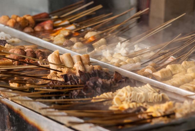 Kebobs of meat near Houhai (Dongcheng, Beijing, CN - 10/21/13, 11:27:19 PM)
