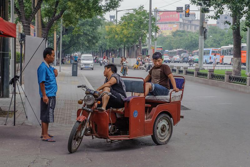 (Luoyang, Henan, CN - 07/10/11, 5:41:53 PM)