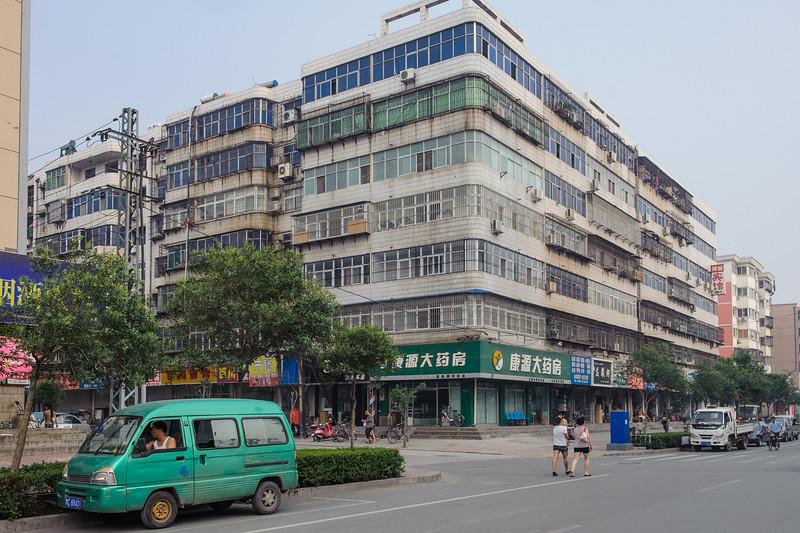 (Laocheng, Luoyang, Henan, CN - 07/13/11, 5:00:24 PM)