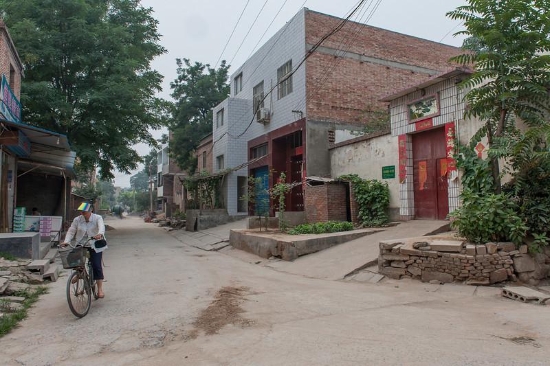 (Yanshi, Luoyang, Henan, CN - 07/13/11, 2:36:52 PM)