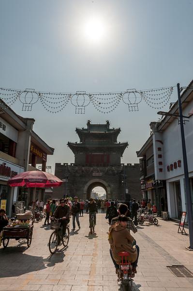 (Wenfeng, Anyang, Henan, CN - 10/25/13, 12:09:51 PM)