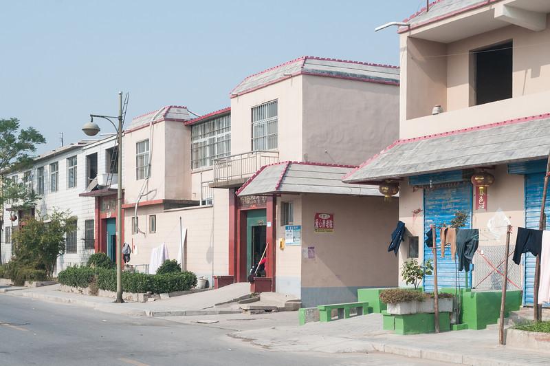 Xiaotun village houses (Yindu, Anyang, Henan, CN - 10/26/13, 11:40:33 AM)