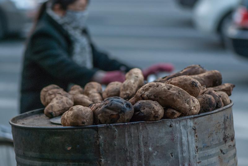 Coal cooked yams (Xincheng, Hohhot, Inner Mongolia, CN - 11/08/13, 5:07:11 PM)