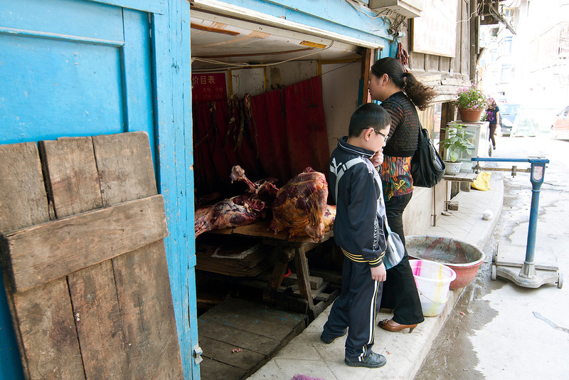 roadside butcher in Kangding