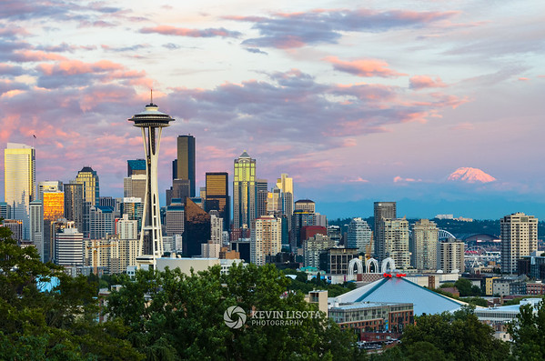 Seattle skyline sunset at Kerry Park