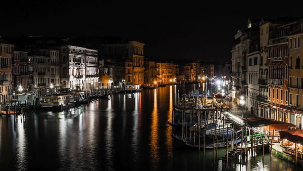 Rialto Bridge at Night | Venice
