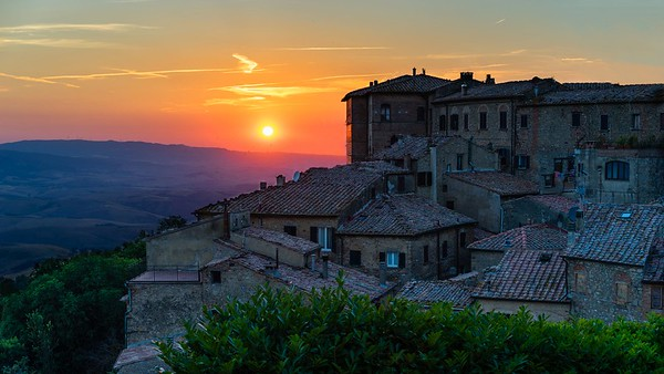 The Golden Hour | Volterra