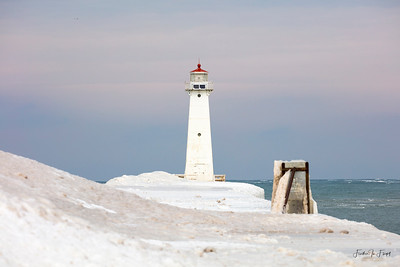 Sodus Point Light 2019-02-02 0762 LOGO