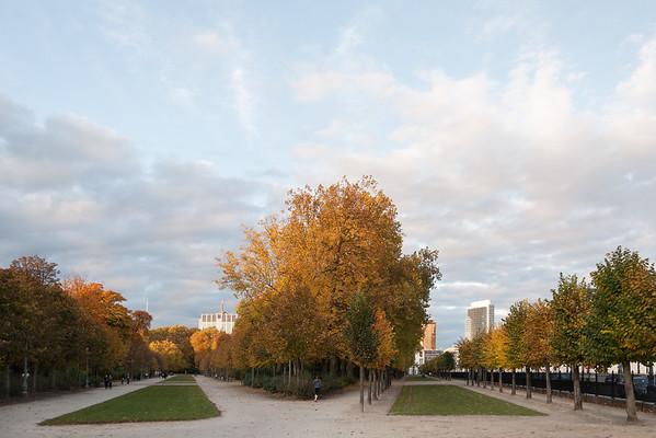 Parc de Bruxelles - Bruxelles, Belgium - October 31, 2010