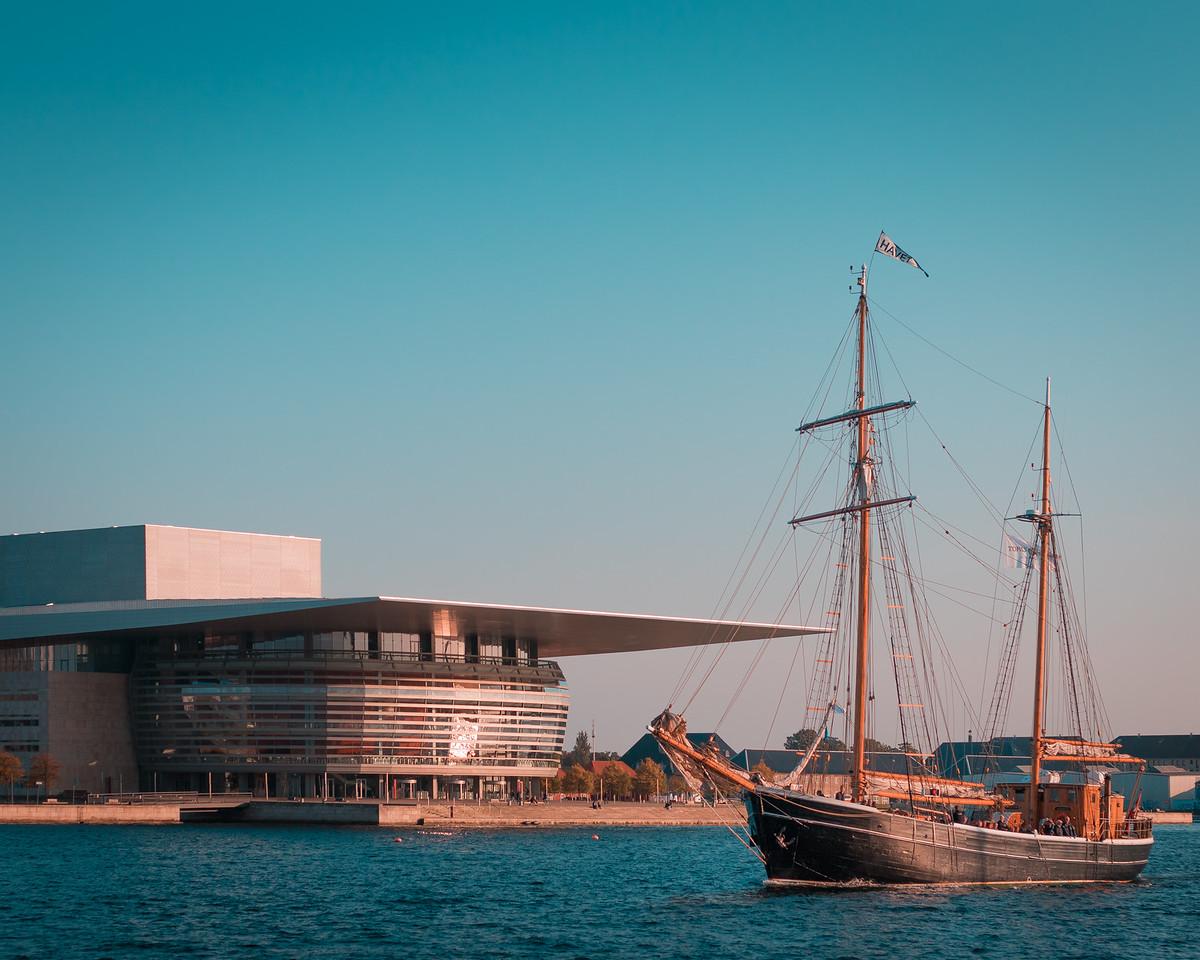 Opera - Danish