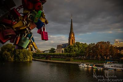 The Dreikönigskirche and the Main River