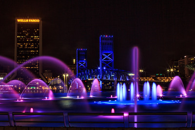 Friendship fountain and Main St Bridge