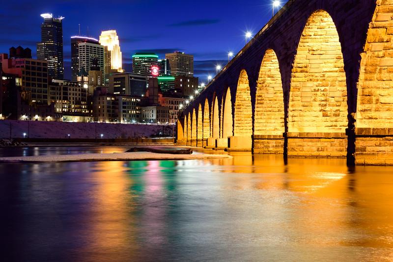 Minneapolis skyline and Stone Arch Bridge 01