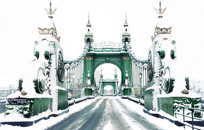 Hammersmith Bridge in the Snow 2009