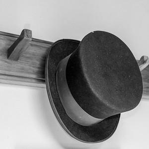 Top Hat C Gibson