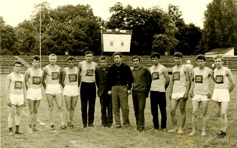 448. Команда легкоатлетів технікуму