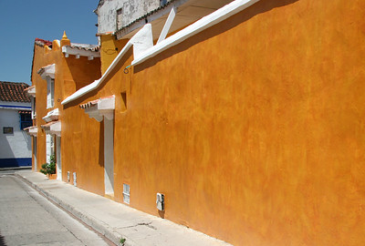 On the Streets of Cartagena - 3, The Orange Wall